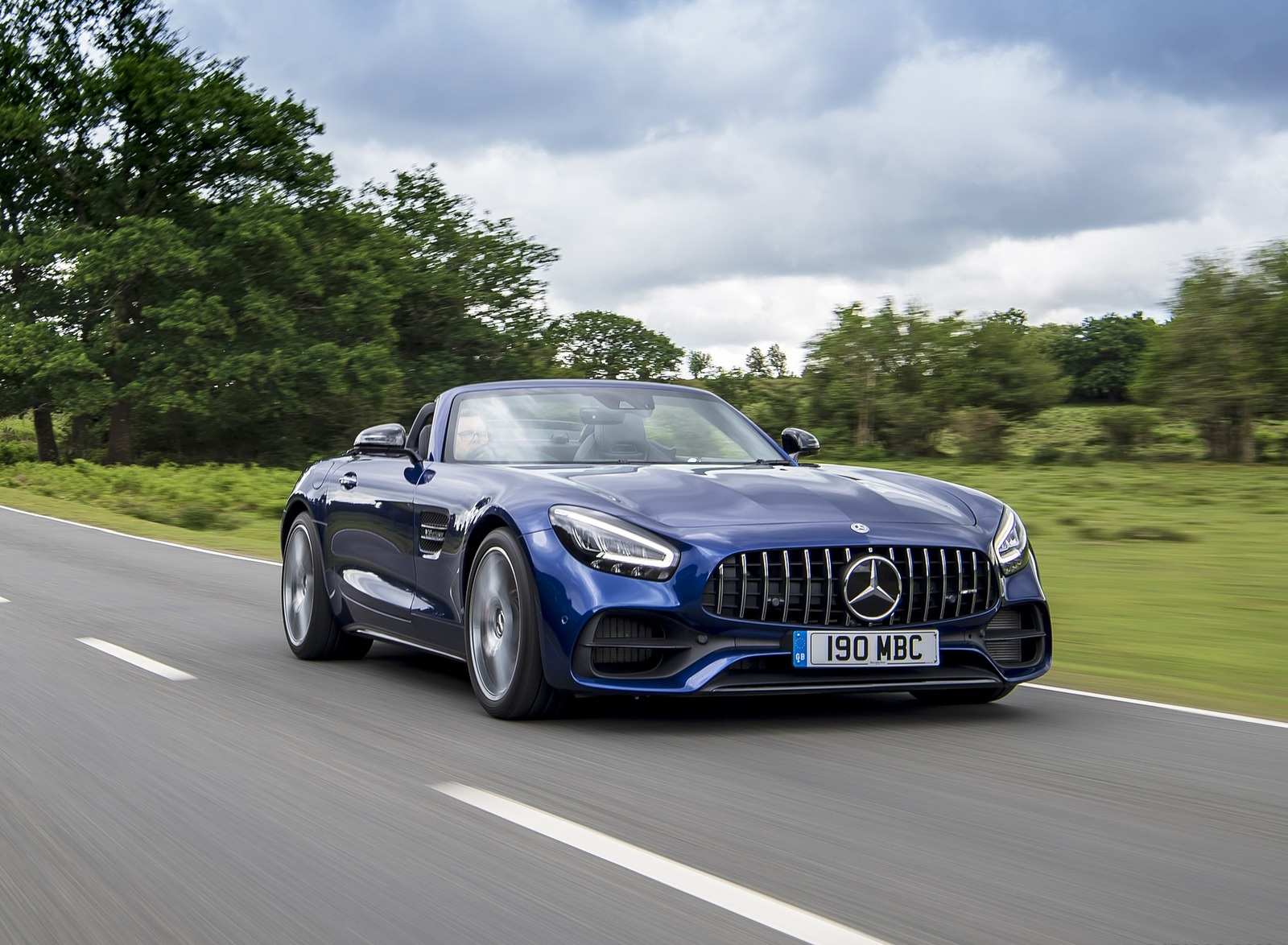 2020 Mercedes-AMG GT S Roadster (UK-Spec) Front Three-Quarter Wallpapers (4)