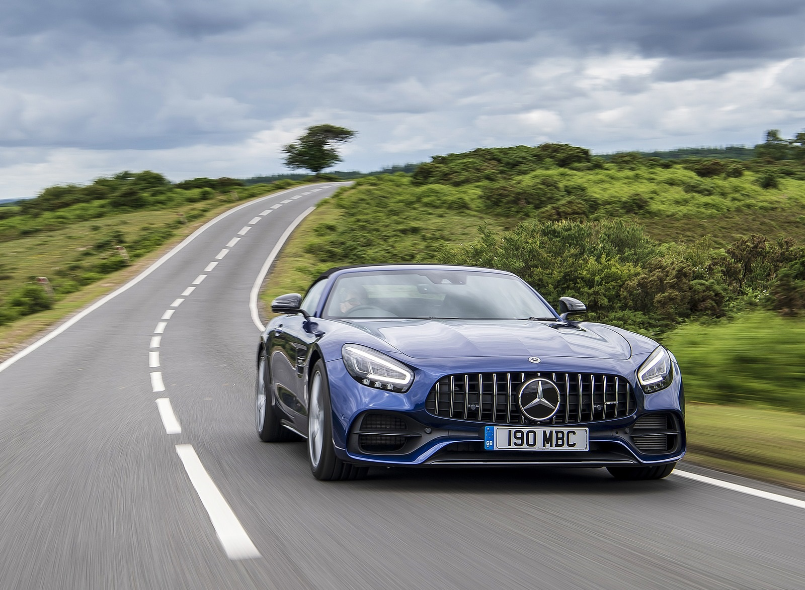 2020 Mercedes-AMG GT S Roadster (UK-Spec) Front Three-Quarter Wallpapers (5)