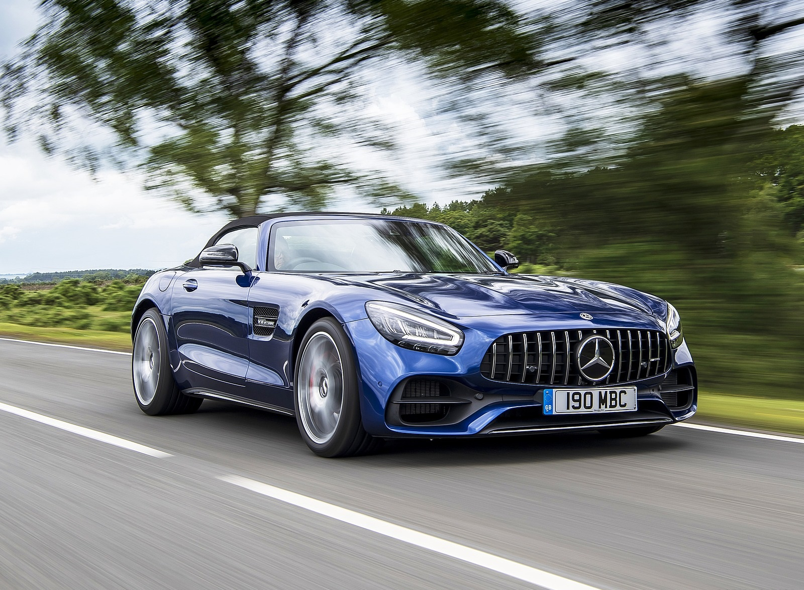 2020 Mercedes-AMG GT S Roadster (UK-Spec) Front Three-Quarter Wallpapers (8)