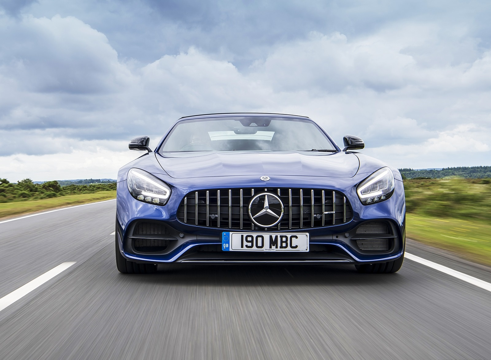 2020 Mercedes-AMG GT S Roadster (UK-Spec) Front Wallpapers (2)