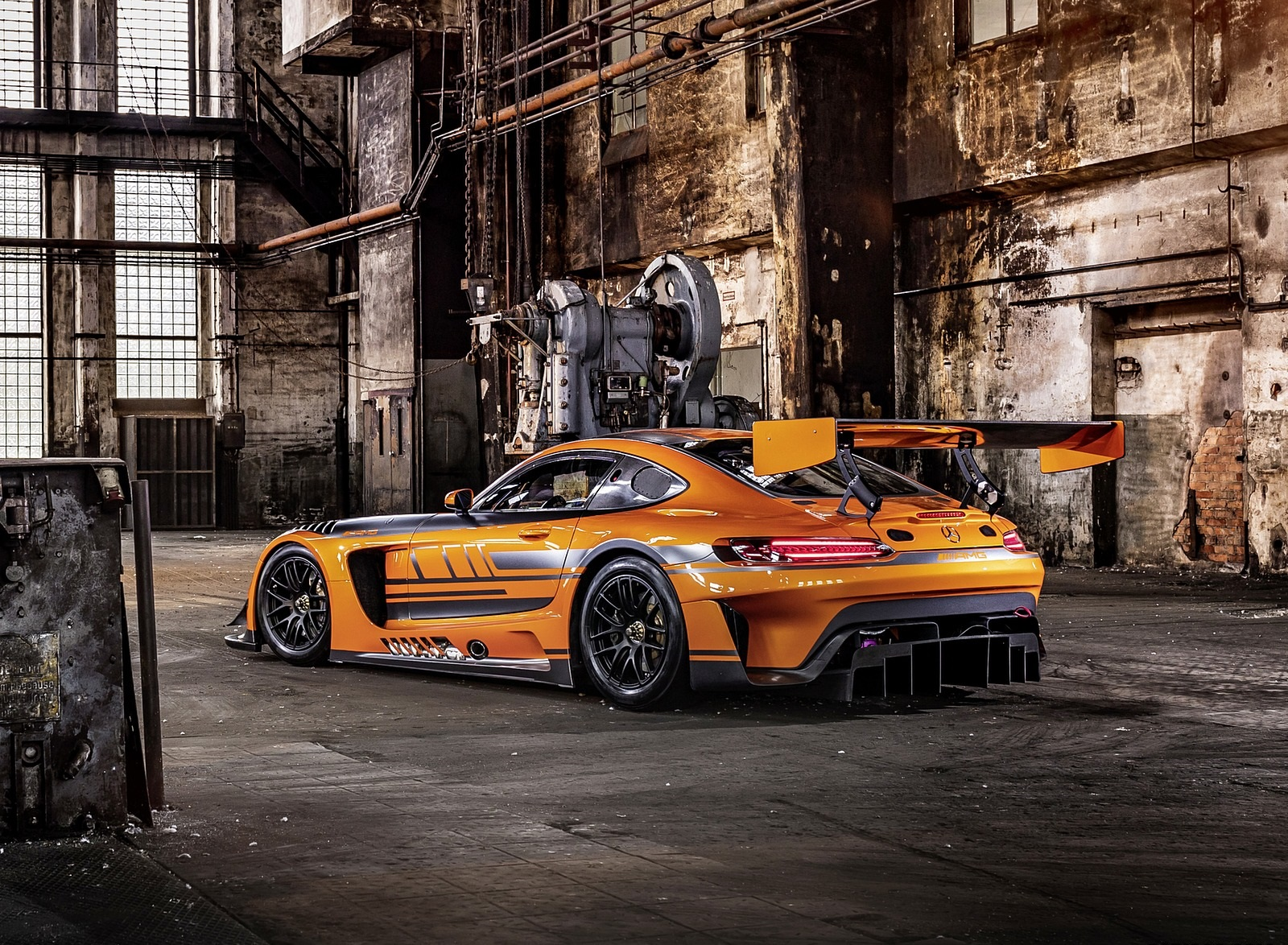 2020 Mercedes-AMG GT3 Rear Three-Quarter Wallpapers (4)