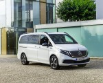 2020 Mercedes-Benz EQV 300 (Color:Mountain Crystal White Metallic) Front Three-Quarter Wallpapers 150x120 (18)
