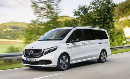 2020 Mercedes-Benz EQV 300 (Color: Mountain Crystal White Metallic) Front Three-Quarter Wallpapers 450x275 (2)