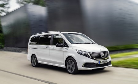 2020 Mercedes-Benz EQV 300 (Color: Mountain Crystal White Metallic) Front Three-Quarter Wallpapers 450x275 (3)