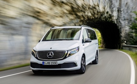2020 Mercedes-Benz EQV 300 (Color: Mountain Crystal White Metallic) Front Wallpapers 450x275 (8)