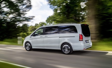 2020 Mercedes-Benz EQV 300 (Color: Mountain Crystal White Metallic) Side Wallpapers 450x275 (10)