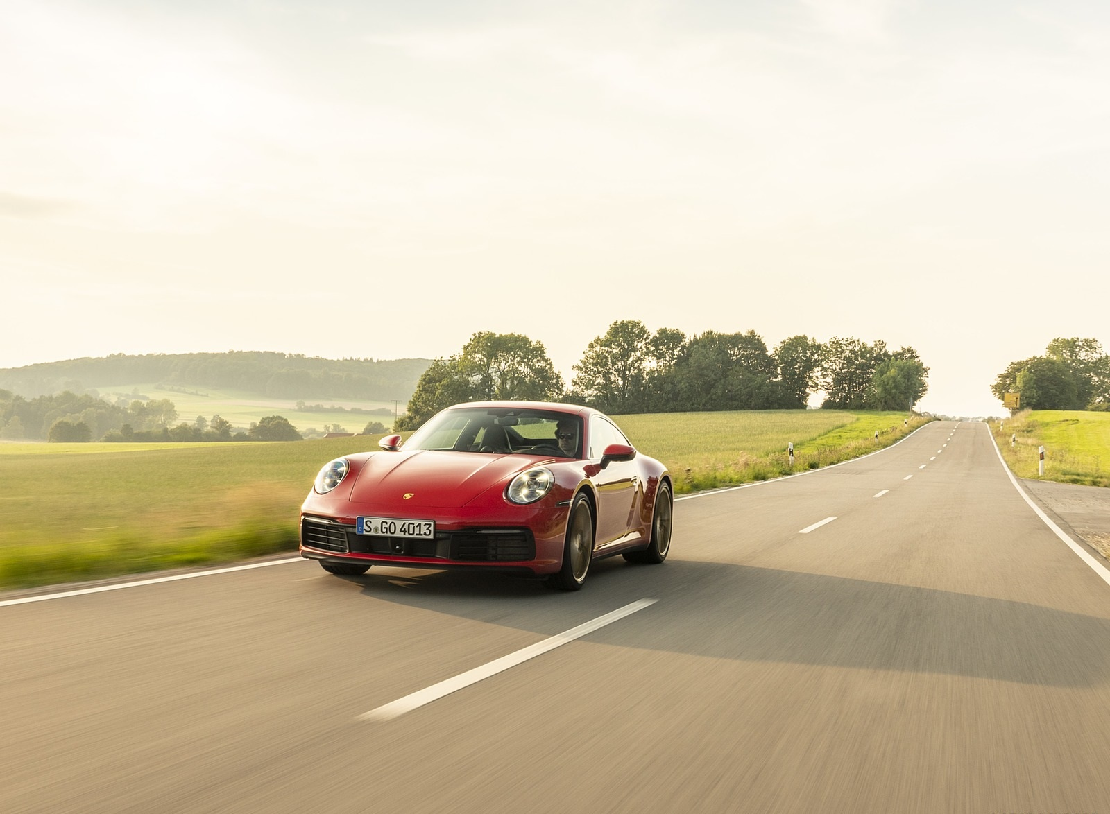2020 Porsche 911 Carrera Coupe (Color: Guards Red) Front Three-Quarter Wallpapers (13)