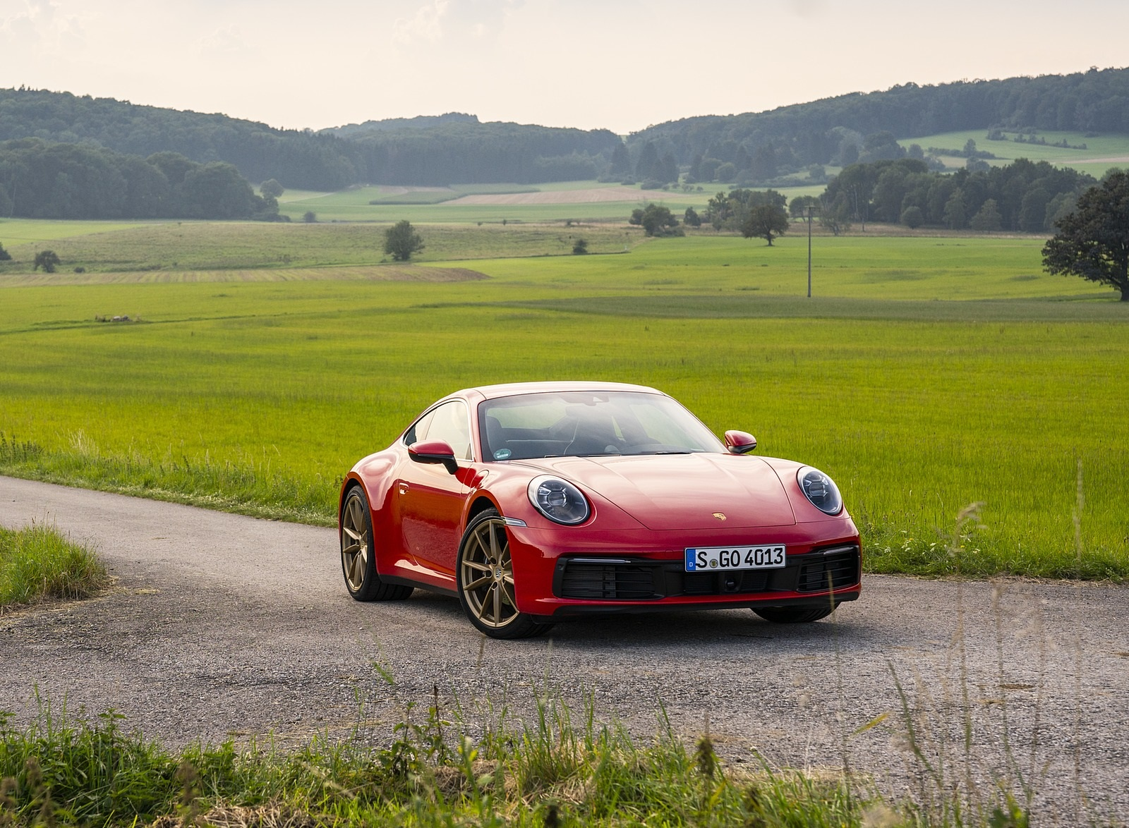 2020 Porsche 911 Carrera Coupe (Color: Guards Red) Front Three-Quarter Wallpapers (15)