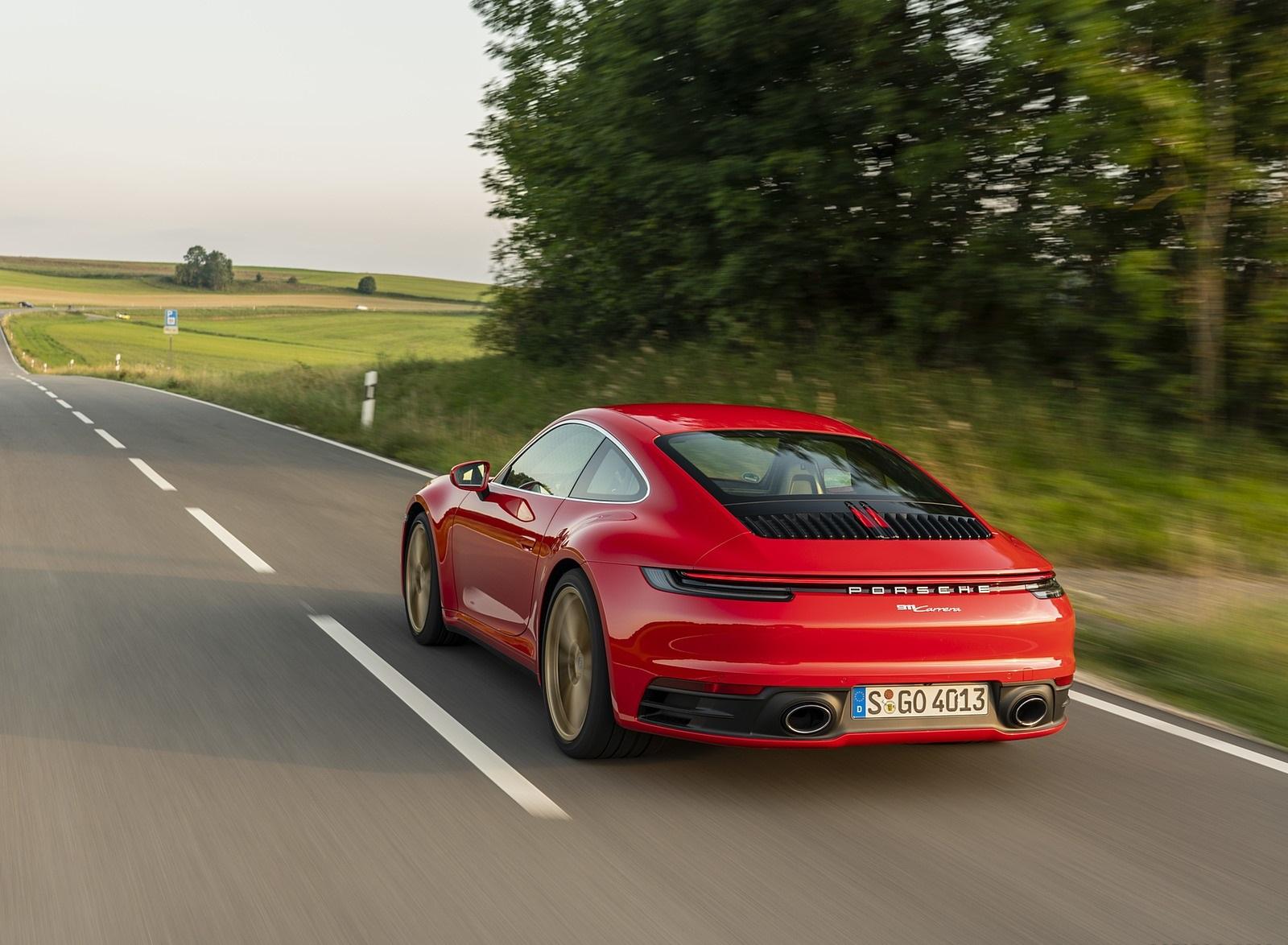 2020 Porsche 911 Carrera Coupe (Color: Guards Red) Rear Three-Quarter Wallpapers (11)