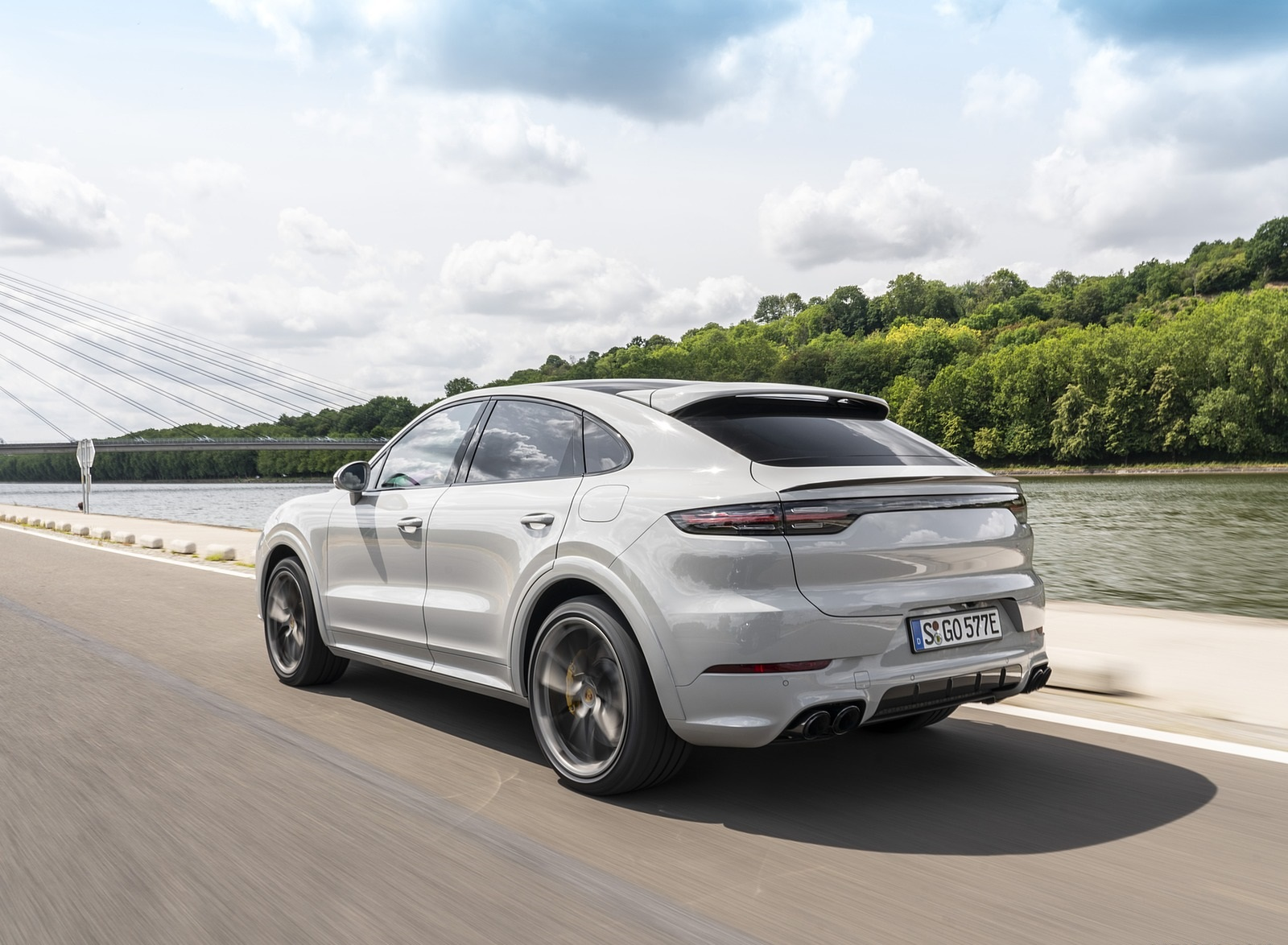 2020 Porsche Cayenne Turbo S E-Hybrid Coupe Rear Three-Quarter Wallpapers (13)