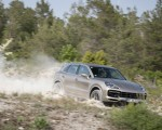 2020 Porsche Cayenne Turbo S E-Hybrid Front Three-Quarter Wallpapers 150x120 (25)