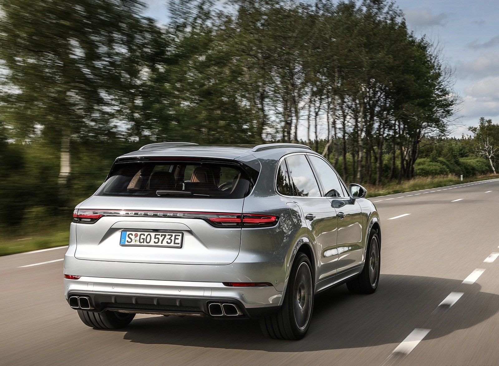 2020 Porsche Cayenne Turbo S E-Hybrid Rear Three-Quarter Wallpapers (6)