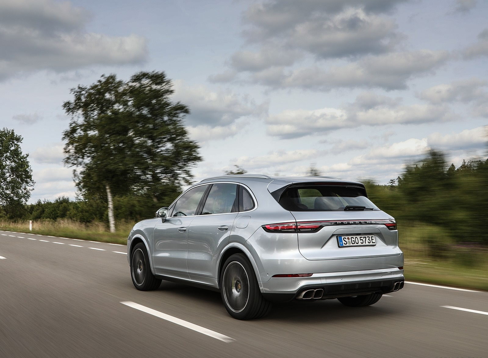2020 Porsche Cayenne Turbo S E-Hybrid Rear Three-Quarter Wallpapers (7)