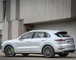 2020 Porsche Cayenne Turbo S E-Hybrid Rear Three-Quarter Wallpapers 150x120 (17)