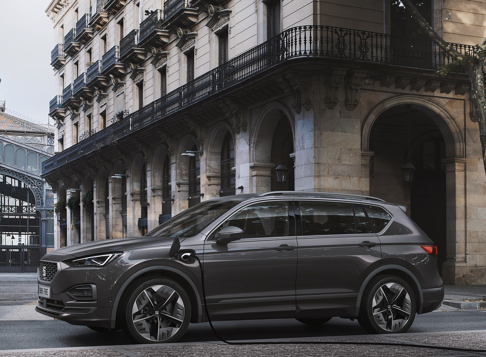 2020 SEAT Tarraco FR PHEV Side Wallpapers (2)