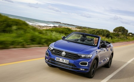 2020 Volkswagen T-Roc Cabriolet Front Three-Quarter Wallpapers 450x275 (32)