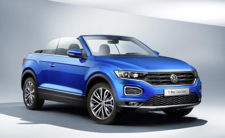 2020 Volkswagen T-Roc Cabriolet Front Three-Quarter Wallpapers 450x275 (183)