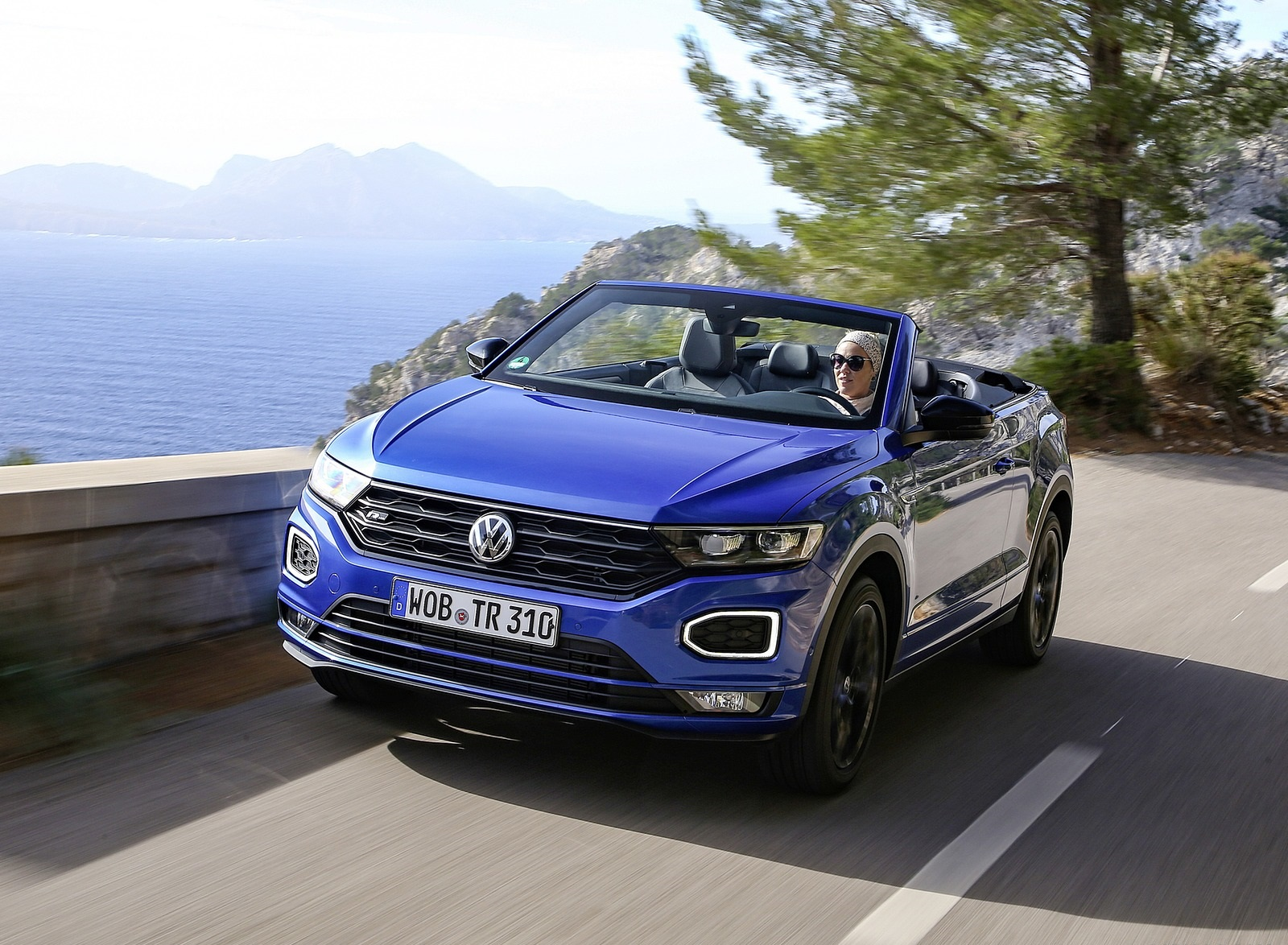 2020 Volkswagen T-Roc Cabriolet Front Three-Quarter Wallpapers (2)