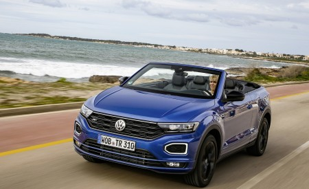 2020 Volkswagen T-Roc Cabriolet Front Three-Quarter Wallpapers 450x275 (41)