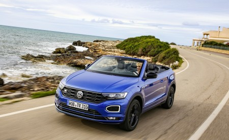 2020 Volkswagen T-Roc Cabriolet Front Three-Quarter Wallpapers 450x275 (24)
