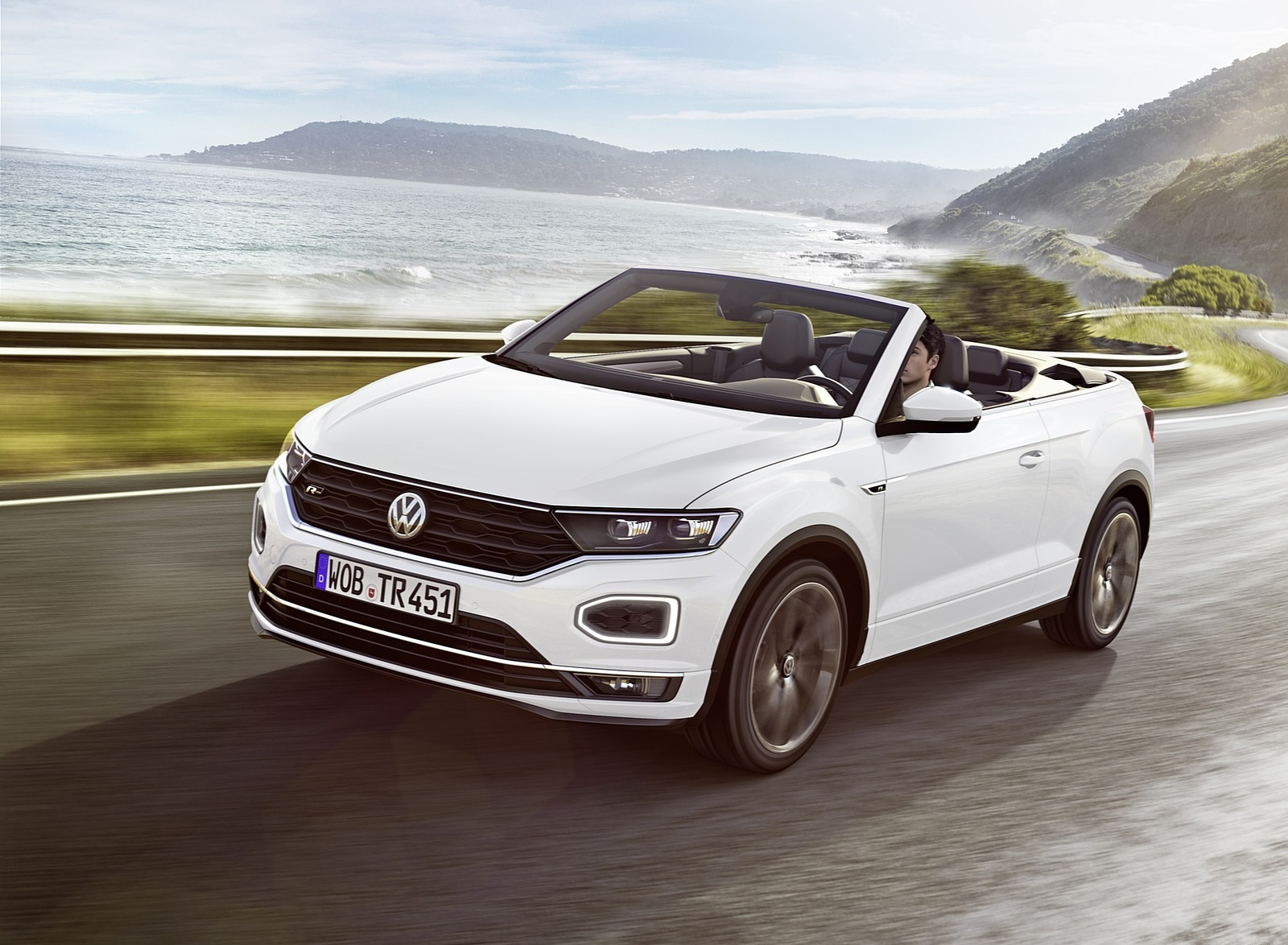 2020 Volkswagen T-Roc Cabriolet Front Three-Quarter Wallpapers (1)