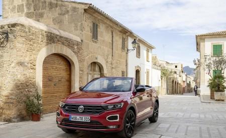2020 Volkswagen T-Roc Cabriolet Front Three-Quarter Wallpapers 450x275 (116)