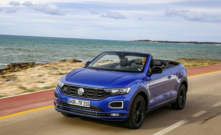 2020 Volkswagen T-Roc Cabriolet Front Three-Quarter Wallpapers 450x275 (42)