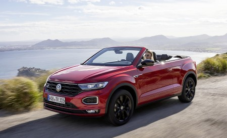 2020 Volkswagen T-Roc Cabriolet Front Three-Quarter Wallpapers 450x275 (94)