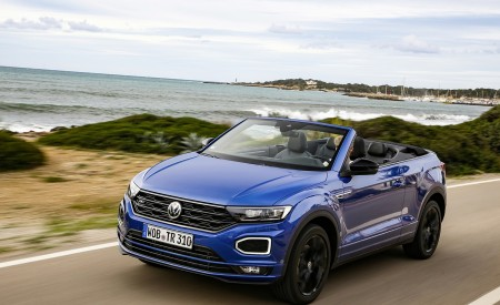 2020 Volkswagen T-Roc Cabriolet Front Three-Quarter Wallpapers 450x275 (43)
