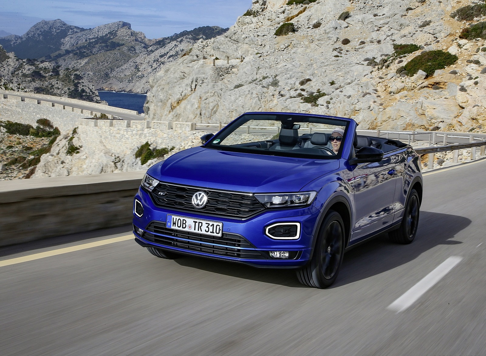 2020 Volkswagen T-Roc Cabriolet Front Three-Quarter Wallpapers (4)