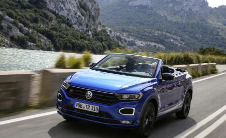 2020 Volkswagen T-Roc Cabriolet Front Three-Quarter Wallpapers 450x275 (30)
