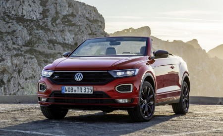2020 Volkswagen T-Roc Cabriolet Front Three-Quarter Wallpapers 450x275 (107)