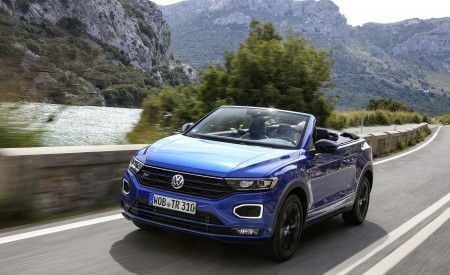 2020 Volkswagen T-Roc Cabriolet Front Three-Quarter Wallpapers 450x275 (31)