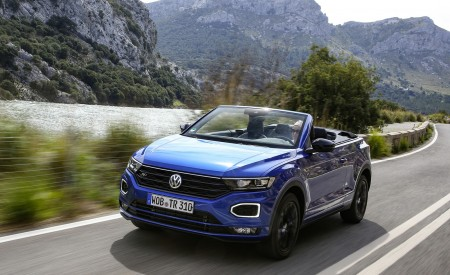 2020 Volkswagen T-Roc Cabriolet Front Three-Quarter Wallpapers 450x275 (12)