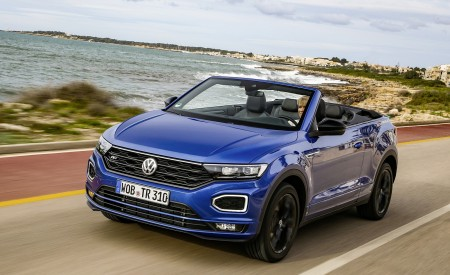 2020 Volkswagen T-Roc Cabriolet Front Three-Quarter Wallpapers 450x275 (45)