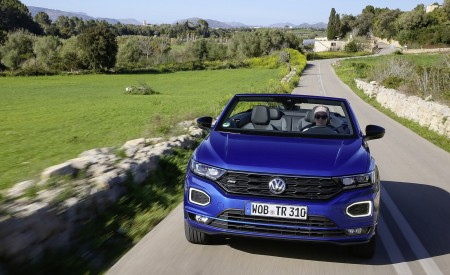 2020 Volkswagen T-Roc Cabriolet Front Wallpapers 450x275 (34)