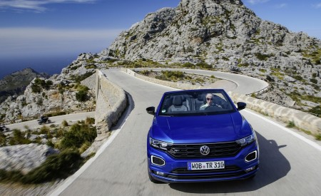 2020 Volkswagen T-Roc Cabriolet Front Wallpapers 450x275 (13)