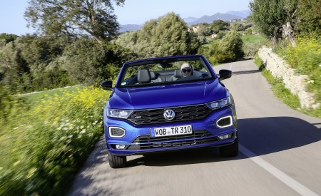 2020 Volkswagen T-Roc Cabriolet Front Wallpapers 450x275 (35)
