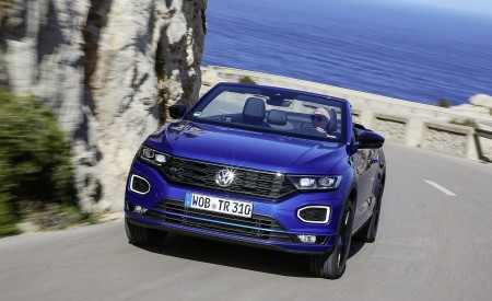 2020 Volkswagen T-Roc Cabriolet Front Wallpapers 450x275 (16)