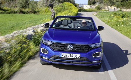 2020 Volkswagen T-Roc Cabriolet Front Wallpapers 450x275 (37)