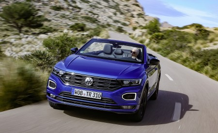 2020 Volkswagen T-Roc Cabriolet Front Wallpapers 450x275 (1)
