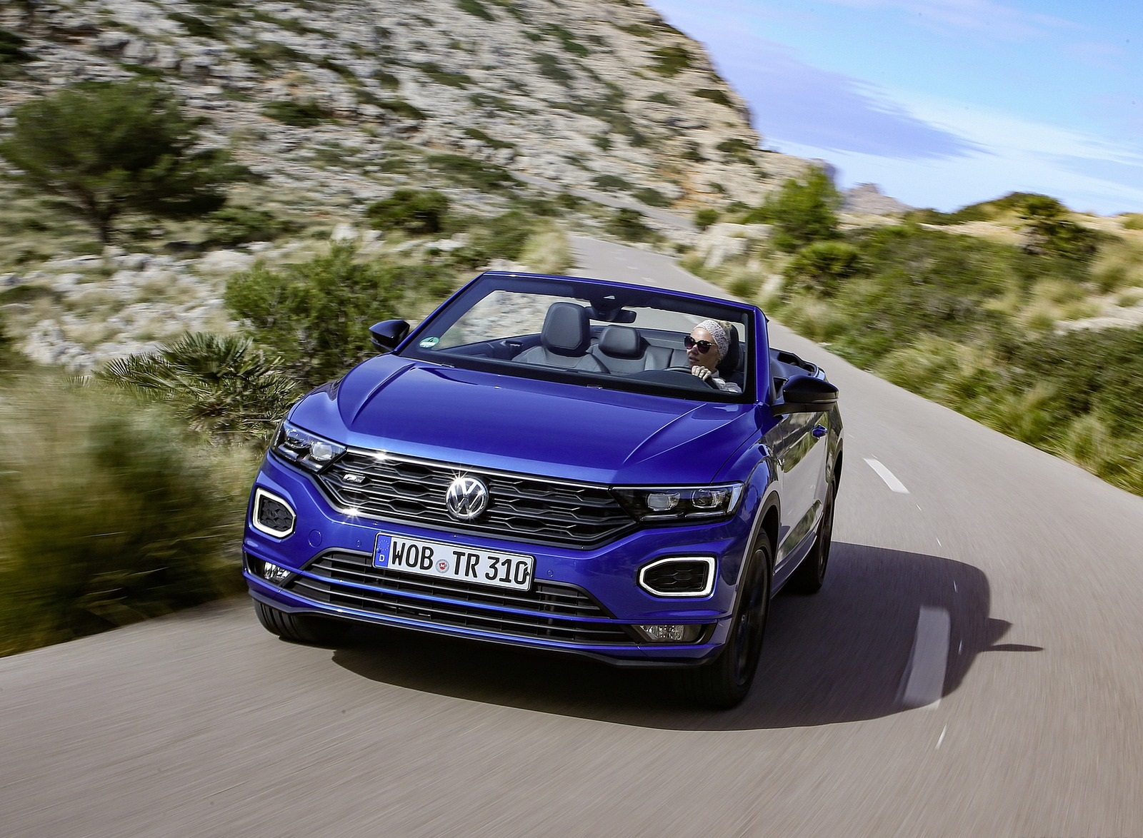 2020 Volkswagen T-Roc Cabriolet Front Wallpapers (1)