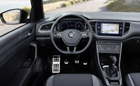 2020 Volkswagen T-Roc Cabriolet Interior Cockpit Wallpapers 450x275 (66)
