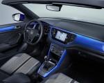 2020 Volkswagen T-Roc Cabriolet Interior Wallpapers 150x120 (46)