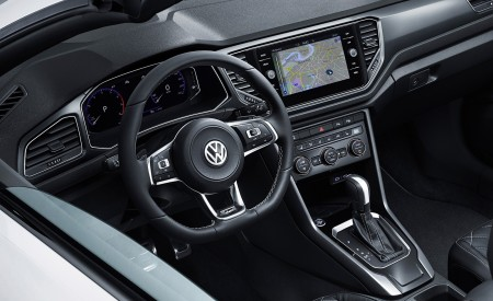 2020 Volkswagen T-Roc Cabriolet Interior Wallpapers 450x275 (180)