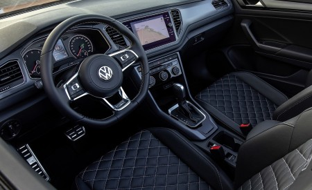 2020 Volkswagen T-Roc Cabriolet Interior Wallpapers 450x275 (144)