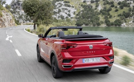 2020 Volkswagen T-Roc Cabriolet Rear Three-Quarter Wallpapers 450x275 (97)