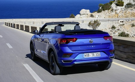 2020 Volkswagen T-Roc Cabriolet Rear Three-Quarter Wallpapers 450x275 (18)