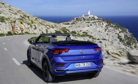 2020 Volkswagen T-Roc Cabriolet Rear Three-Quarter Wallpapers 450x275 (20)