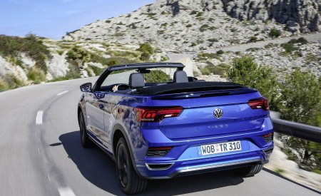 2020 Volkswagen T-Roc Cabriolet Rear Three-Quarter Wallpapers 450x275 (10)